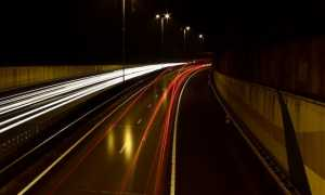 autostrada luci notte