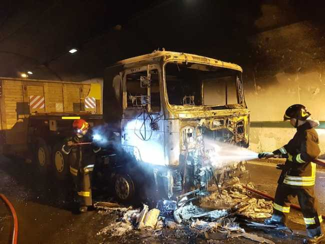 incendio camion a261